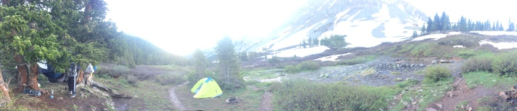 There are nearby campsites.